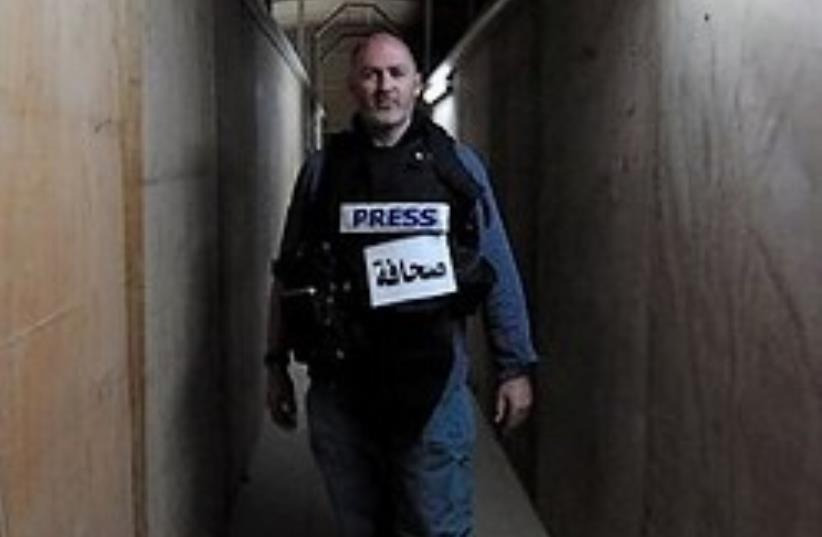 Stephen Farrell, a reporter for The New York Times (photo credit: ASSOCIATED PRESS )