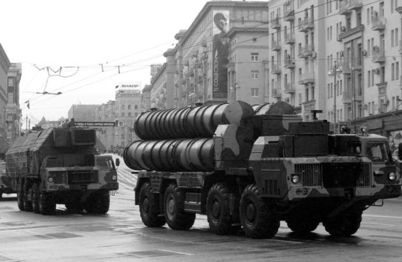 S-300 missles (photo credit: ALEXANDER NATRUSKIN / REUTERS)