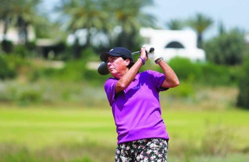 HALL OF FAME golfer Amy Alcott tees off at the SHALVA Golf Tournament this week in Caesarea (photo credit: YOSSI KLAR)