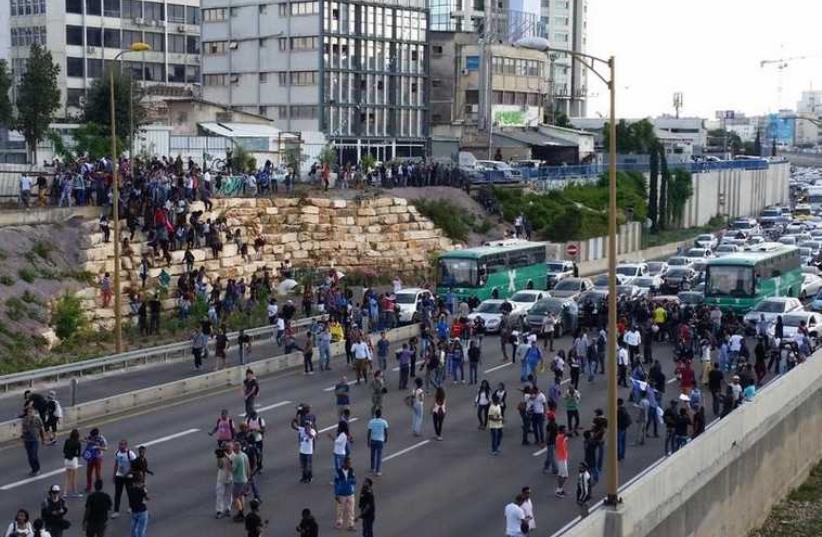 Tel Aviv anti-racist rally  (photo credit: BEN HARTMAN)