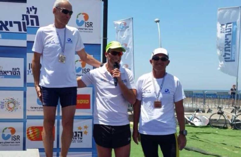 Omer Bar-Lev, at Tel Aviv Triathlon (far left), May 16, 2015 (photo credit: Courtesy)