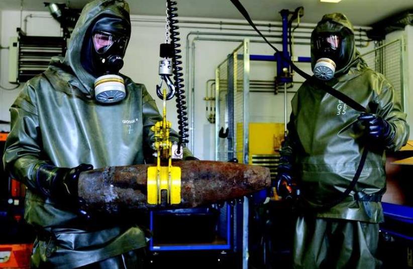 Démantèlement d'armes chimiques (photo credit: REUTERS)