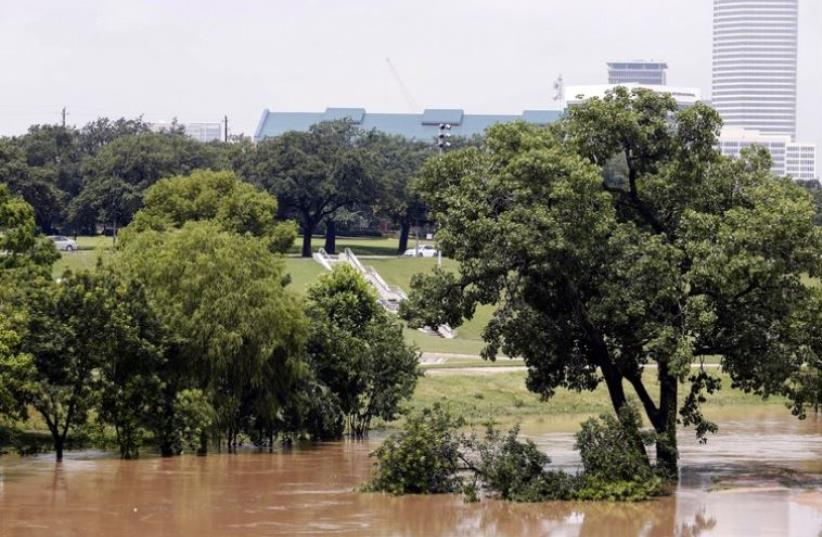 Buffalo Bayou Park in Houston after massive flooding, May 27, 2015 (photo credit: ERIC KAYNE/AFP)