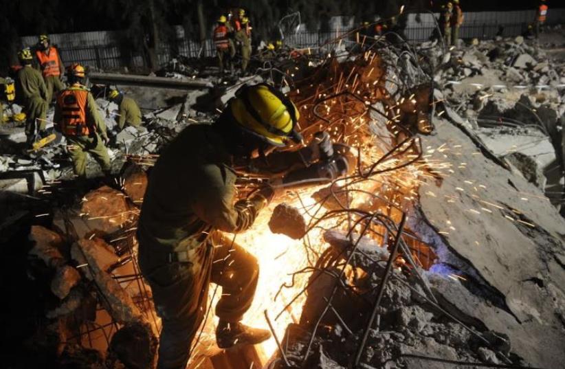 Home Front Command search and rescue drills [Illustrative] (photo credit: IDF SPOKESPERSON'S UNIT)