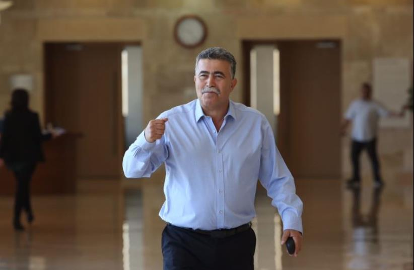 Amir Peretz (photo credit: MARC ISRAEL SELLEM/THE JERUSALEM POST)