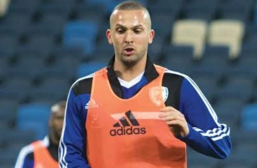Hapoel Beersheba won the bidding war for the services of Israel national team striker Ben Sahar (photo credit: ERAN LUF)