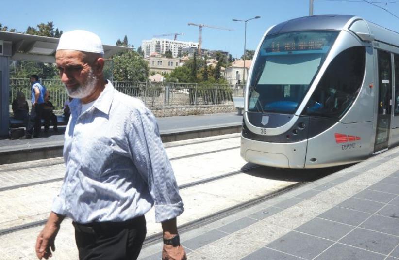 Jerusalem light rail. (photo credit: MARC ISRAEL SELLEM/THE JERUSALEM POST)