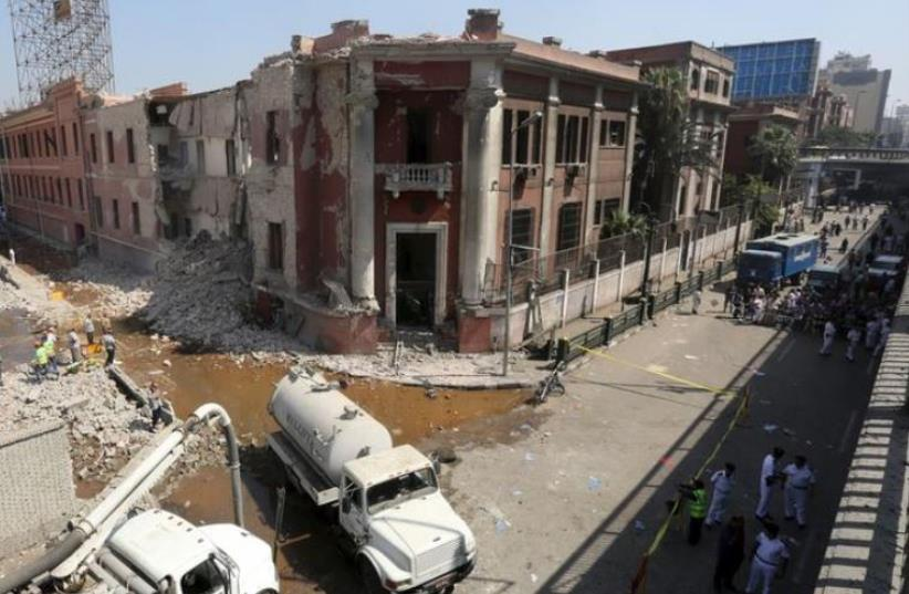 Site of bomb blast at Italian Consulate in Cairo, Egypt, July 11, 2015. (photo credit: REUTERS)