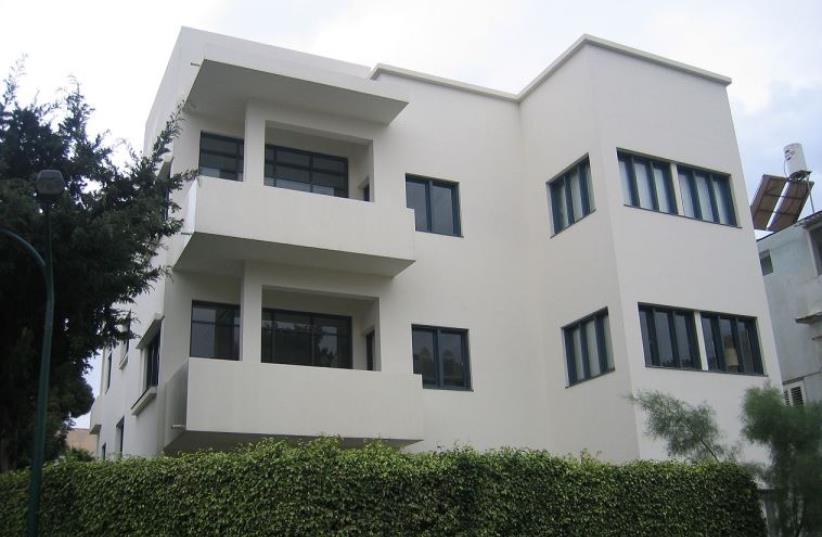 Bauhaus building in Tel Aviv  (photo credit: TALMORYAIR/WIKIMEDIA COMMONS)