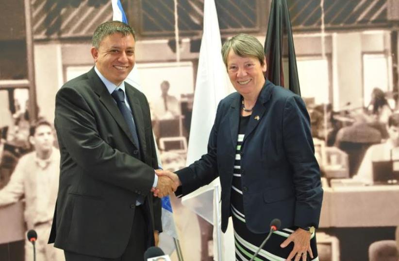 Environmental Protection Minister Avi Gabai with German Environment Minister Barbara Hendricks (photo credit: AVIAD WEIZMAN)