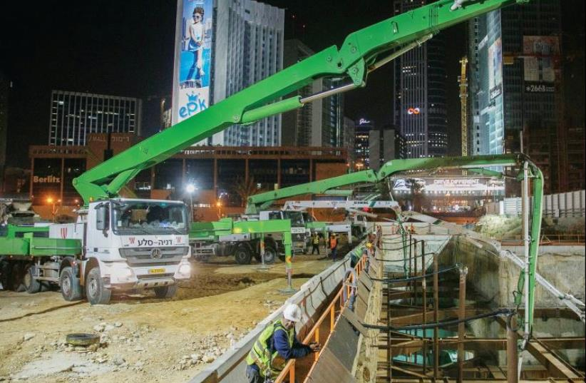 Work on the Tel Aviv light rail. (photo credit: COURTESY NTA)