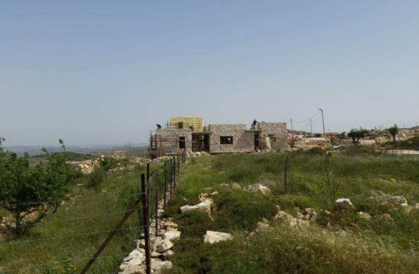Derech Ha'avot outpost (photo credit: YESH DIN)