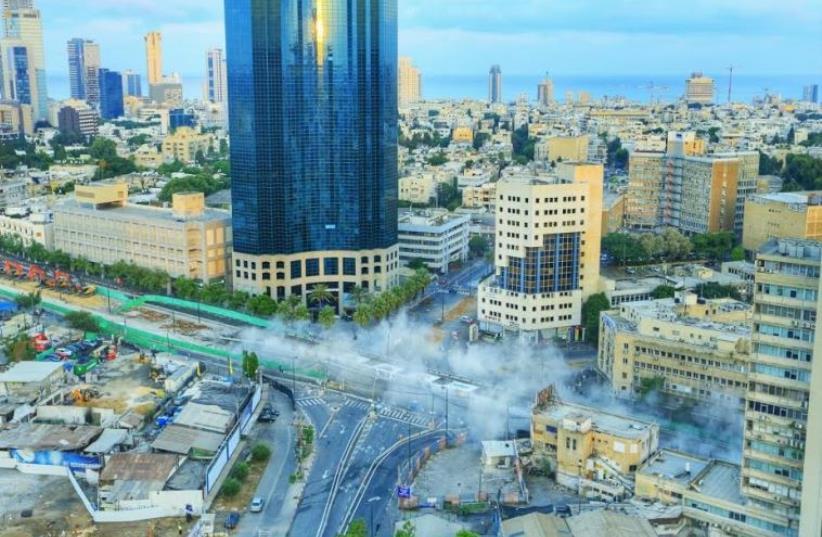 The Maariv Bridge demolition (photo credit: SHLOMI MIZRAHI)