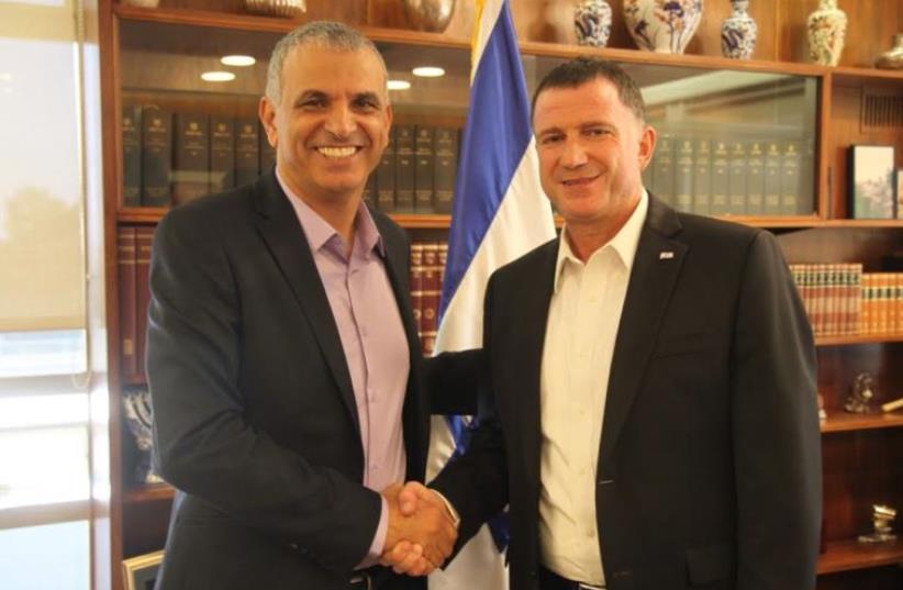 Finance Minister Moshe Kahlon (L) and Knesset Speaker Yuli Edelstein  (photo credit: KNESSET SPOKESMAN'S OFFICE)