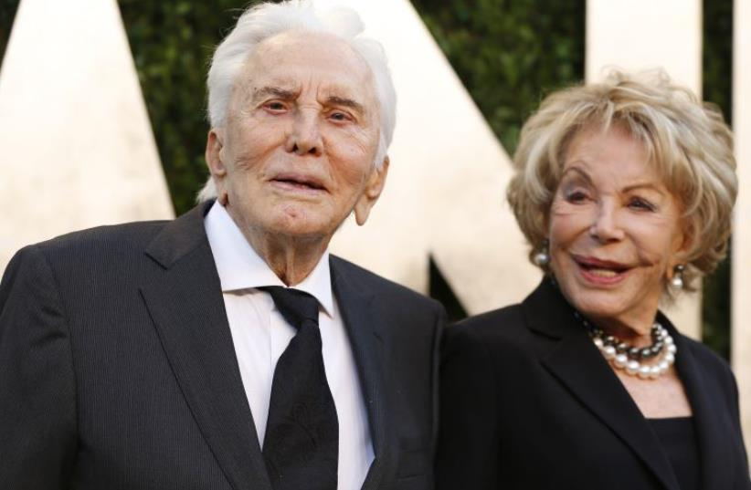 Kirk Douglas donates $80 million to charity (photo credit: REUTERS)