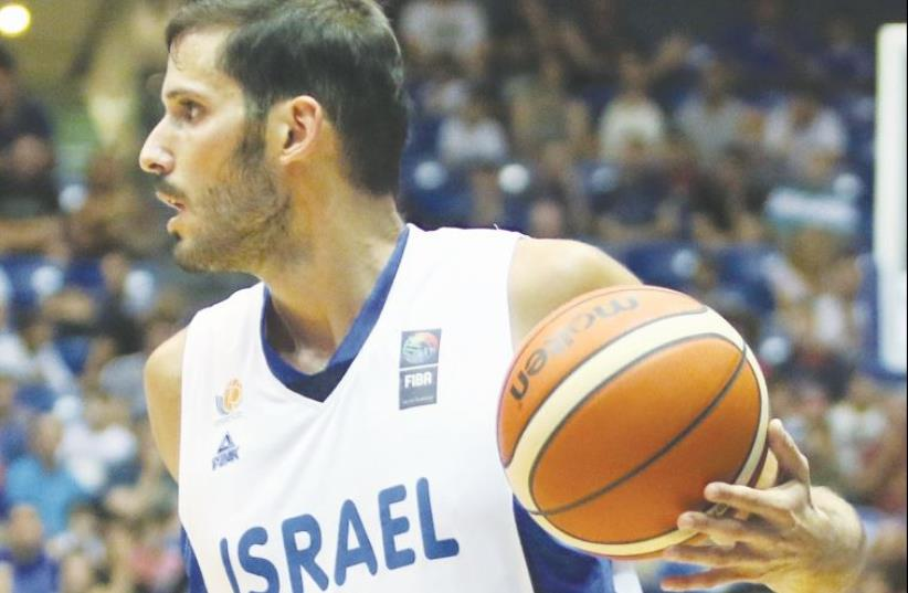Israel forward Omri Casspi had 23 points in the national team's 86-76 defeat to Croatia (photo credit: ADI AVISHAI)