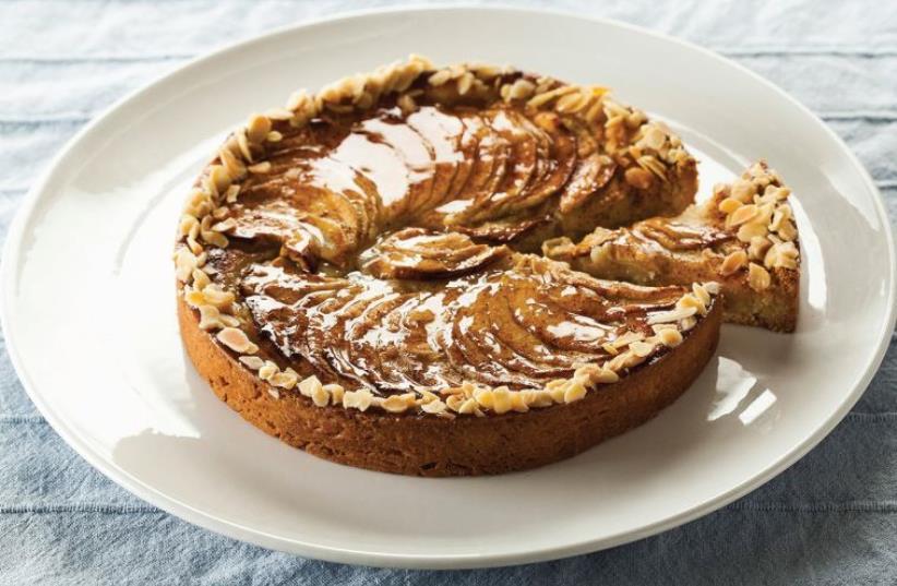 Classic apple pie (photo credit: AFIK GABAI)