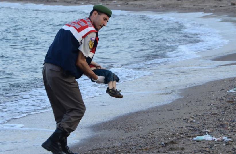 Bodrum Child (photo credit: STR / DOGAN NEWS AGENCY / AFP)
