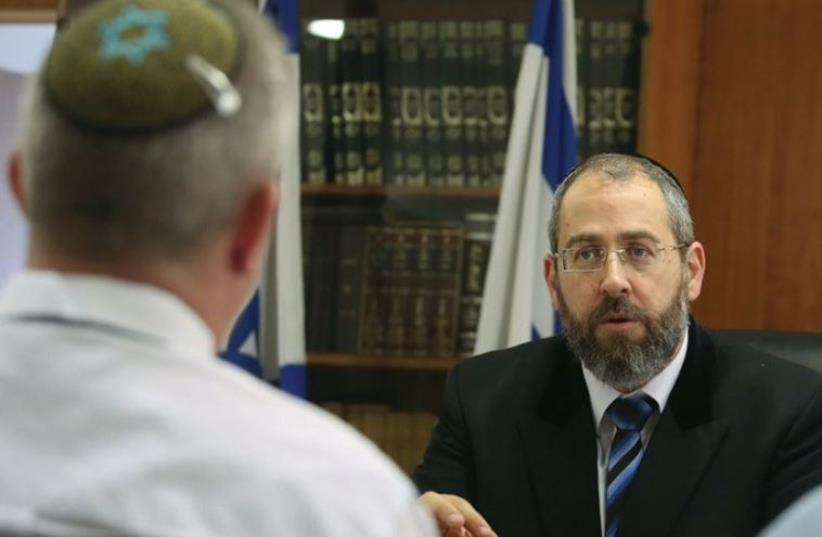 Ashkenazi Chief Rabbi David Lau speaks to The Jerusalem Post (photo credit: MARC ISRAEL SELLEM/THE JERUSALEM POST)