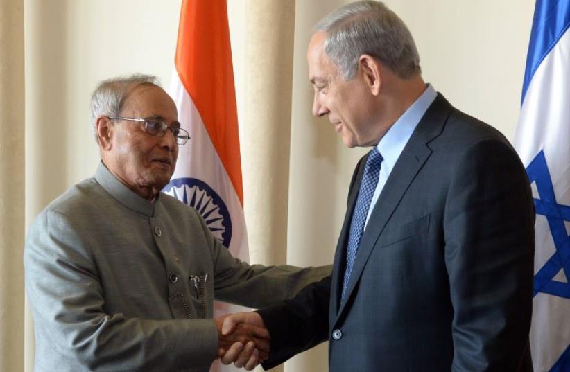 Indian President Pranab Mukherjee with Prime Minister Benjamin Netanyahu (photo credit: CHAIM TZACH/GPO)