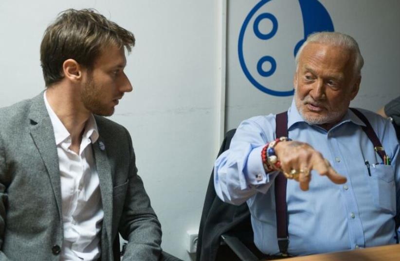 Buzz Aldrin with SpaceIL scientist Adam Green (photo credit: ALON HADAR)