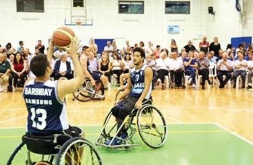 Wheelchair basketball players (photo credit: CHEN GALILI)