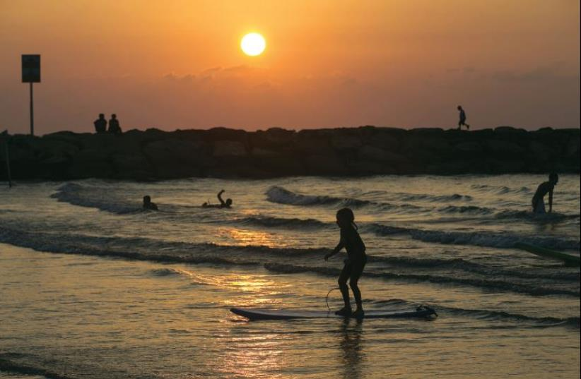 Tel Aviv beach (photo credit: REUTERS)