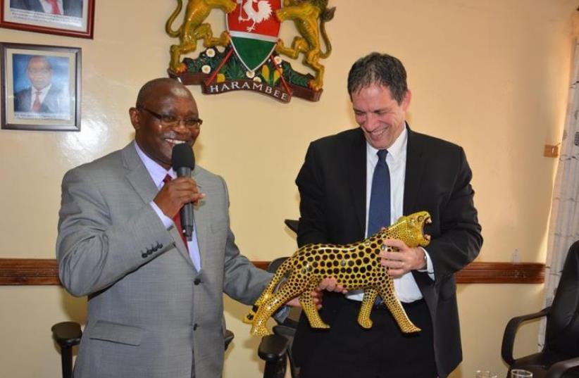 Kisii County Governor James Ongwae (L) and Israeli Ambassador Yahel Vilan  (photo credit: FACEBOOK)