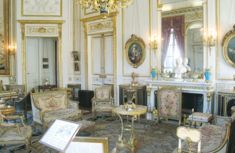 The Grand Salon at the Musée Nissim de Camondo in Paris (photo credit: Wikimedia Commons)