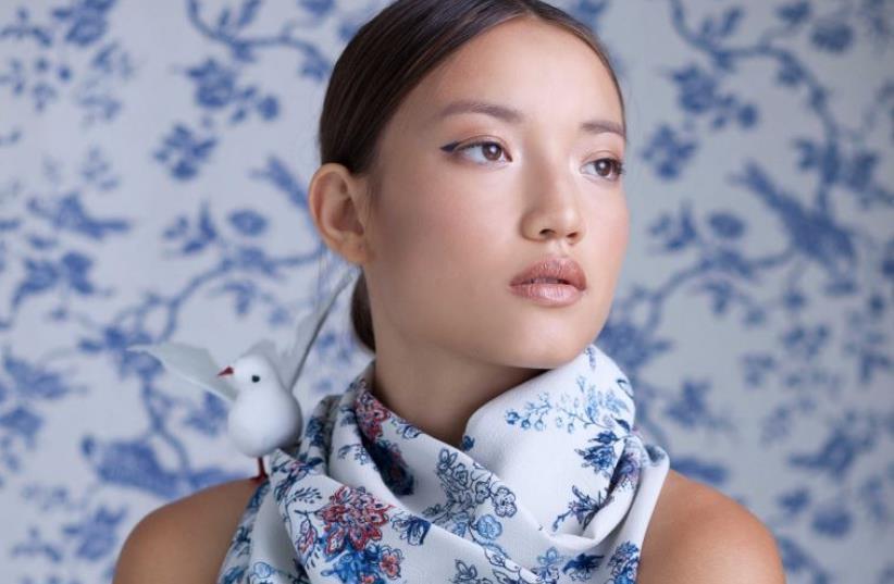 A model wears one of Adi Bashki's scarves (photo credit: ZOHAR SHITRIT)
