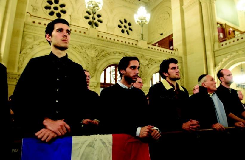 Les Juifs de France face à  l'aliyah (photo credit: EREZ LICHTFELD)