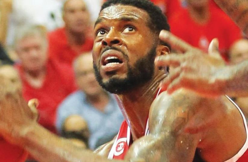 Hapoel Jerusalem forward Donta Smith (photo credit: DANNY MARON)