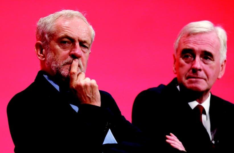 Jérémy Corbyn (à gauche) (photo credit: REUTERS)