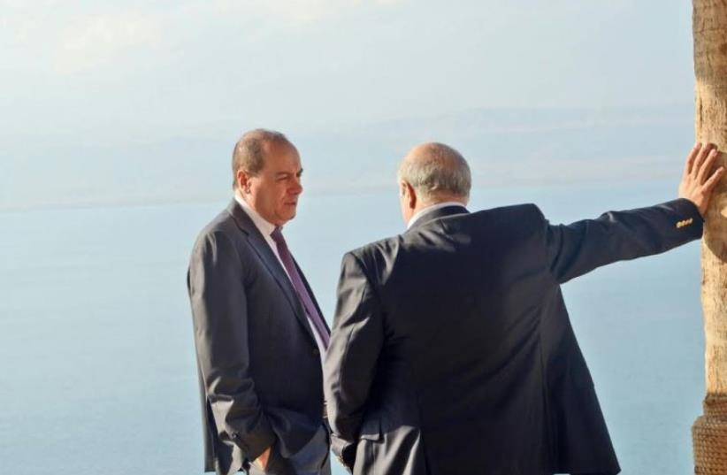 Interior Minister Silvan Shalom and Jordanian Water and Irrigation Minister Hazim El-Naser on Monday, on the Jordanian side of the Dead Sea near the Crowne Plaza Hotel. (photo credit: HAIM ZACH/GPO)