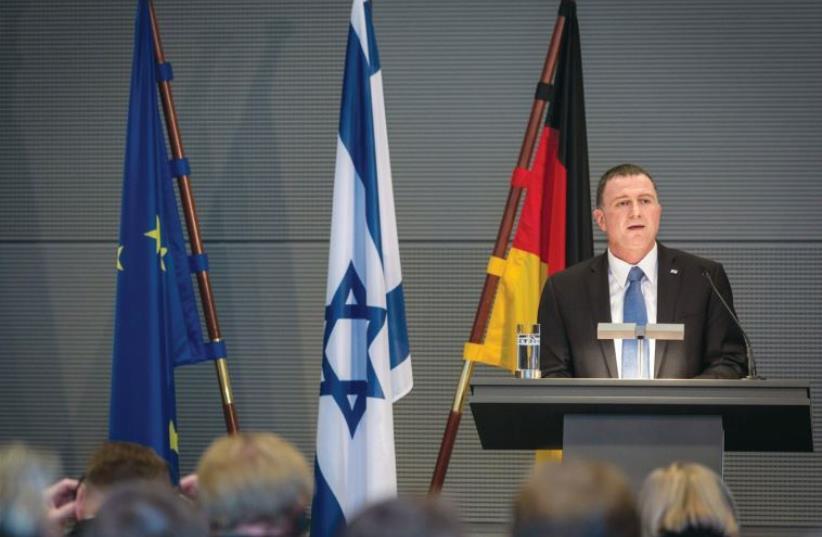 KNESSET SPEAKER Yuli Edelstein speaks to Bundestag members in Berlin. (photo credit: BOAZ ARAD)