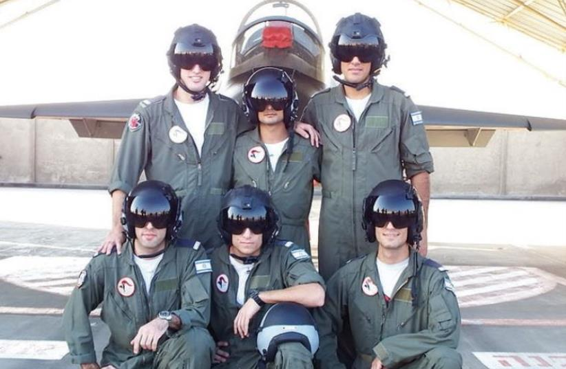 The graduates of the IDF's 171st Pilots' Course will be sworn in tomorrow at Hatzerim Airbase, with six of them crediting much of their success to their background in sports (photo credit: IDF SPOKESPERSON'S UNIT)