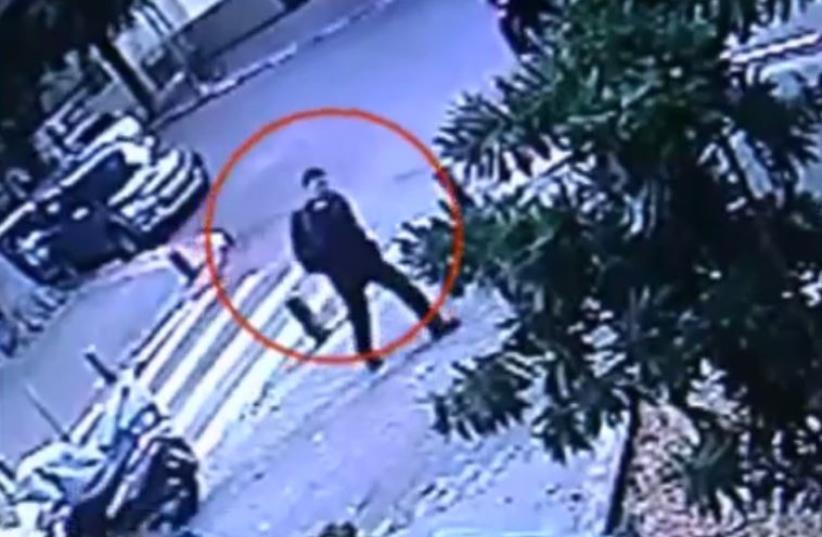 Tel Aviv gunman at Dizengoff Street (photo credit: screenshot)