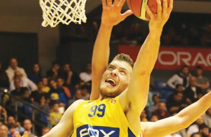 Maccabi Tel Aviv guard Gal Mekel (photo credit: ADI AVISHAI)