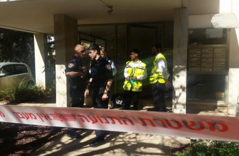 Scene of stabbing attack in Tel Aviv (photo credit: POLICE SPOKESPERSON'S UNIT)