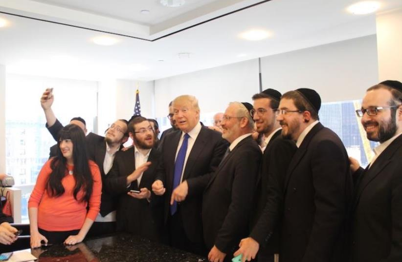 Donald Trump held a 20-minute question-and-answer session with Jewish reporters at his offices at Trump Tower, April 14, 2016. (photo credit: URIEL HEILMAN/ JTA)