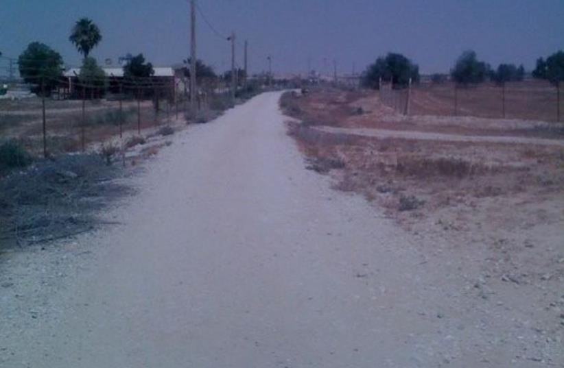 Eisenbud's jogging route in the Negev Desert (photo credit: DANIEL K. EISENBUD)