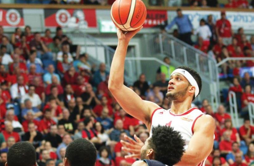 Hapoel Jerusalem forward Josh Duncan (right) had a game-high 21 points in last night's 96-81 win over Hapoel Eilat at the Jerusalem Arena. (photo credit: DANNY MARON)