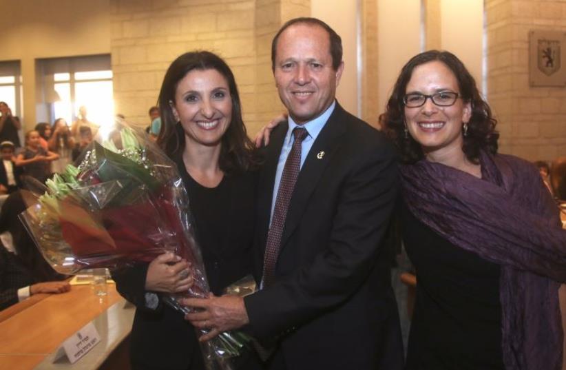 Fleur Hassan-Nahoum (right) with Jerusalem Mayor Nir Barkat and her mentor, Kulanu MK Rachel Azaria at Kikar Safra (photo credit: MARC ISRAEL SELLEM)