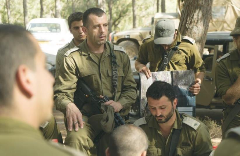 LT.-COL. KAMEEL TAFISH, deputy commander of Brigade 300, briefs commanders and soldiers. (photo credit: IDF SPOKESPERSON'S UNIT)
