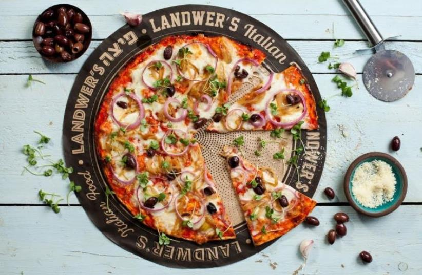 Pizza at Cafe Landwer (photo credit: PR)