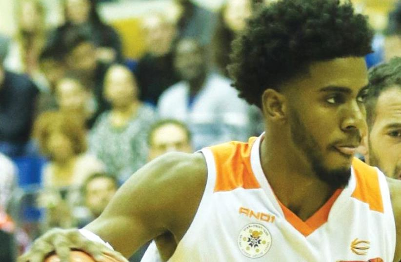 Shawn Dawson will take part in the New Orleans Pelicans' training camp next month, with the Israeli guard hoping to receive a guaranteed contract in the NBA. (photo credit: DANNY MARON)