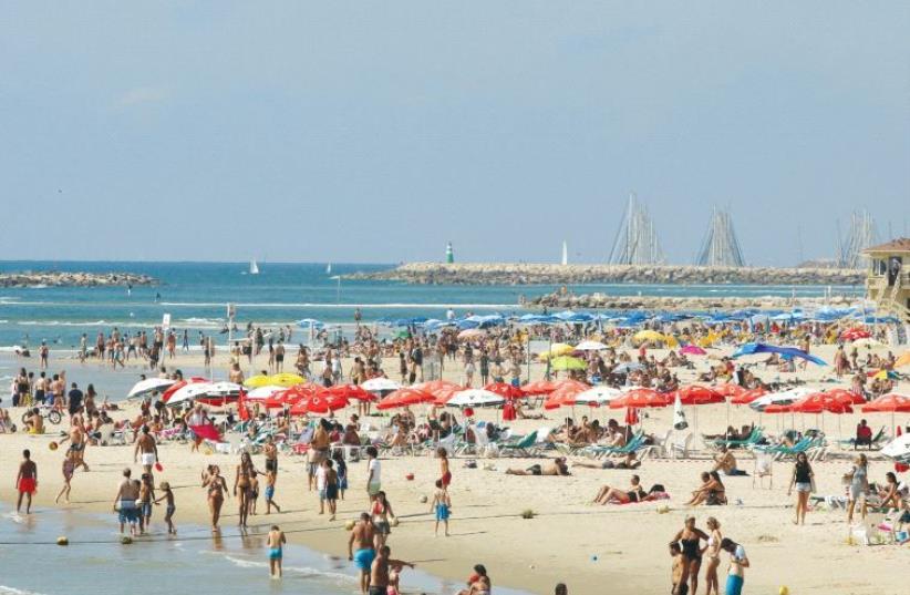 Tel Aviv beach (photo credit: MARC ISRAEL SELLEM)
