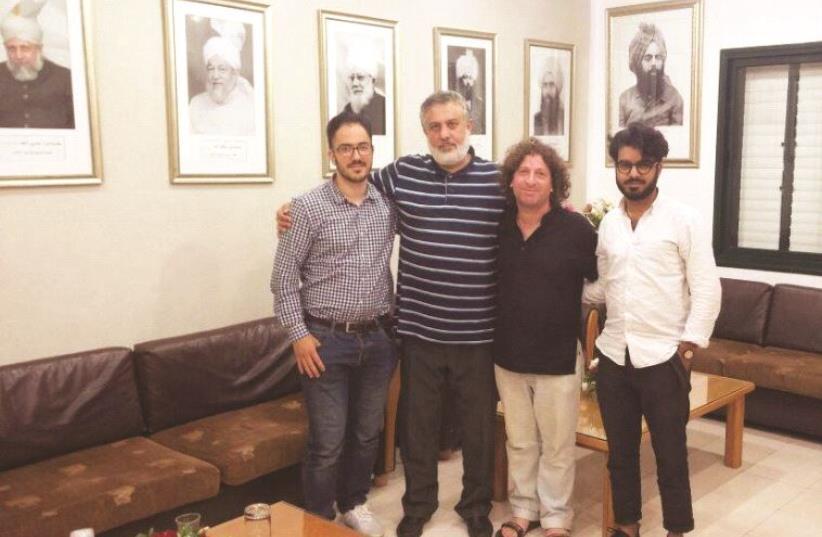 """Eliaz Cohen (3è en partant de la gauche), un des initiateurs de """"Deux Etats, une Patrie"""" (photo credit: DR)"""