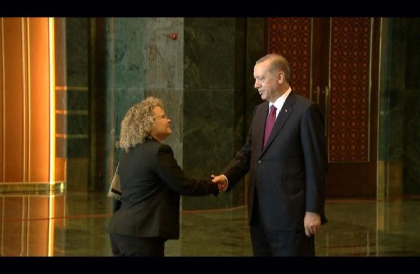 Turkish President Erdogan with Shani Cooper. (photo credit: TURKISH PRESIDENCY)