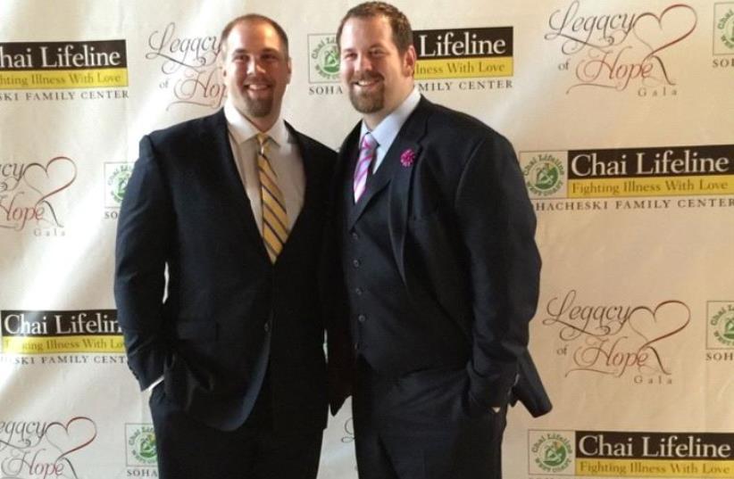 Mitch (R) and Geoff Schwartz (photo credit: FACEBOOK)